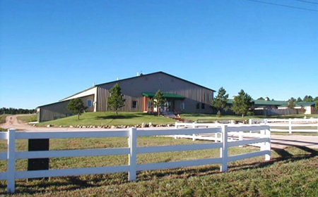 Aspen Ridge Equine Hospital Entrance